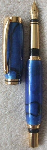 Brand New BLUE ACRYLIC FOUNTAIN PEN