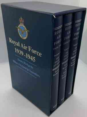 Denis Richards Hilary St George Saunders ROYAL AIR FORCE 1939 - 1945 Slipcased Hardback Set