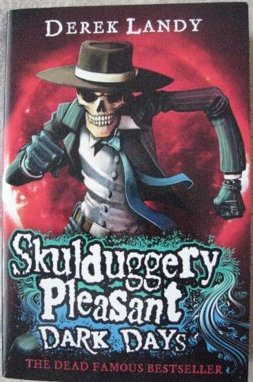 Derek Landy SKULDUGGERY PLEASANT: DARK DAYS Signed Paperback