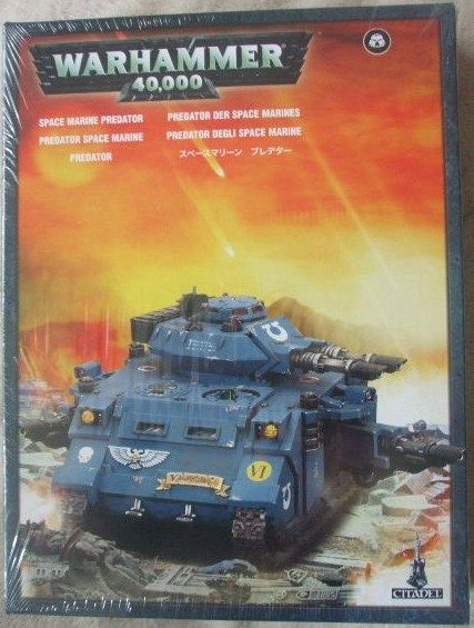 Warhammer 40,000 SPACE MARINE PREDATOR Model Kit Sealed